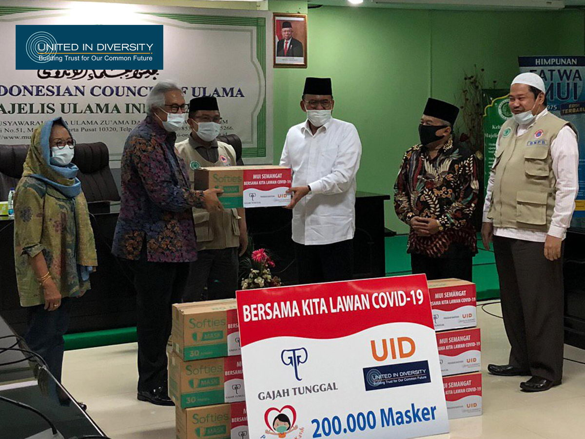 United In Diversity with Gajah Tunggal Group Support, Donates 200 Thousand Masks for Majelis Ulama Indonesia