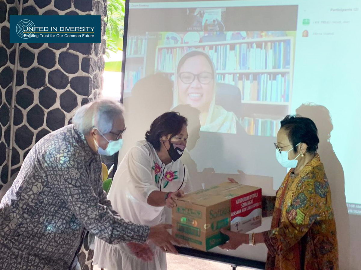 Gusdurian Network Receives 50 Thousand Masks from United In Diversity with Gajah Tunggal Group Support