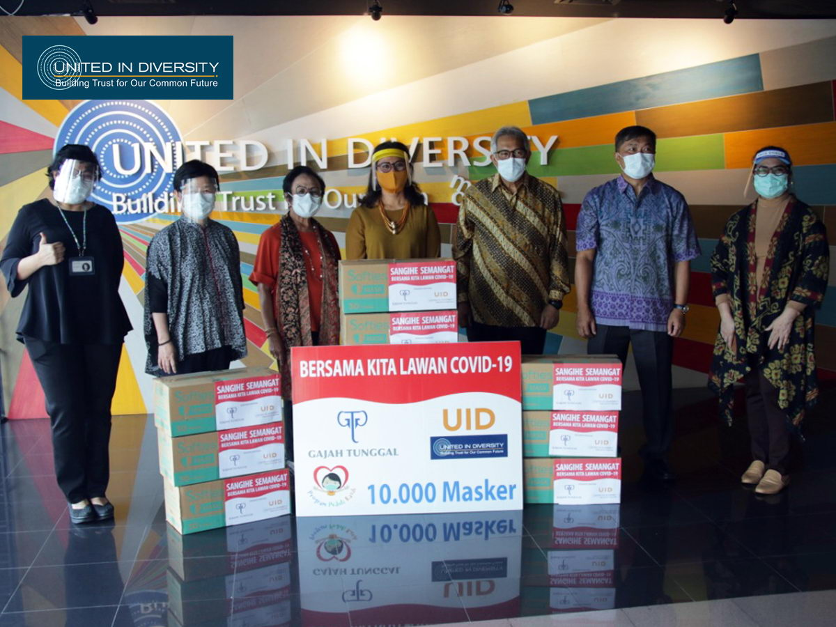 United In Diversity with Gajah Tunggal Group Support Donates 10 Thousand Masks for Sangihe Islands Regency